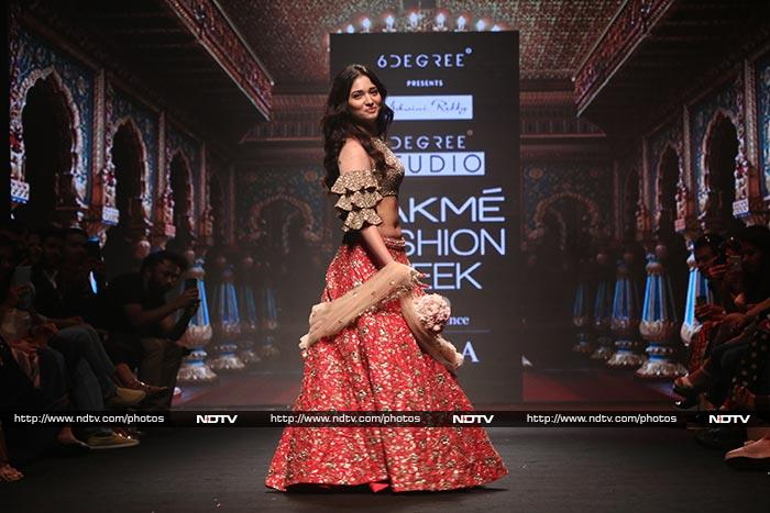 Lakme Fashion Week Day 4: Can You Twirl Like Sushmita Sen, Bipasha Basu, Nidhhi Agerwal?