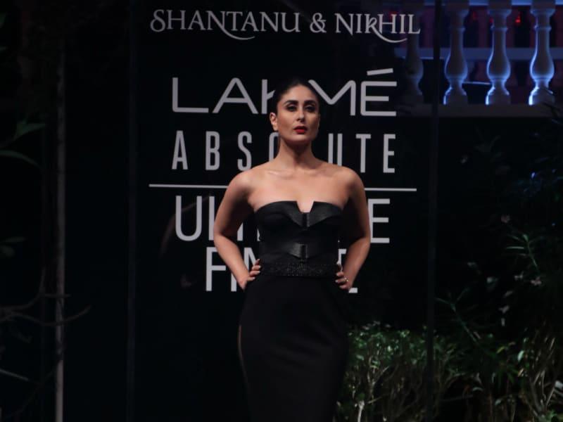 Kareena Kapoor Stops Runway Traffic