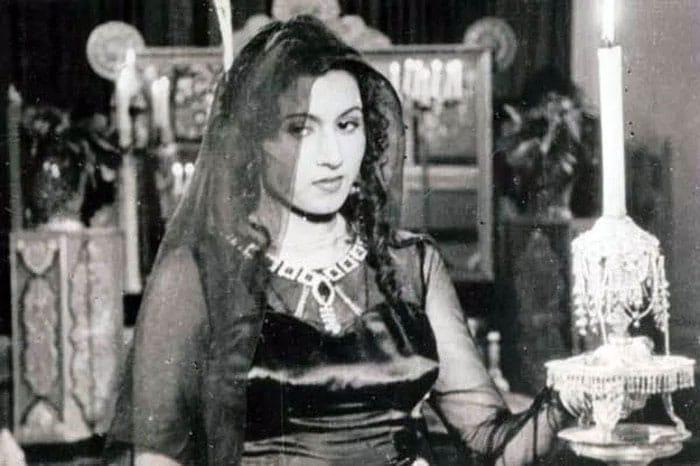 Happy Birthday, Lata Mangeshkar. The Nightingale Of India@90