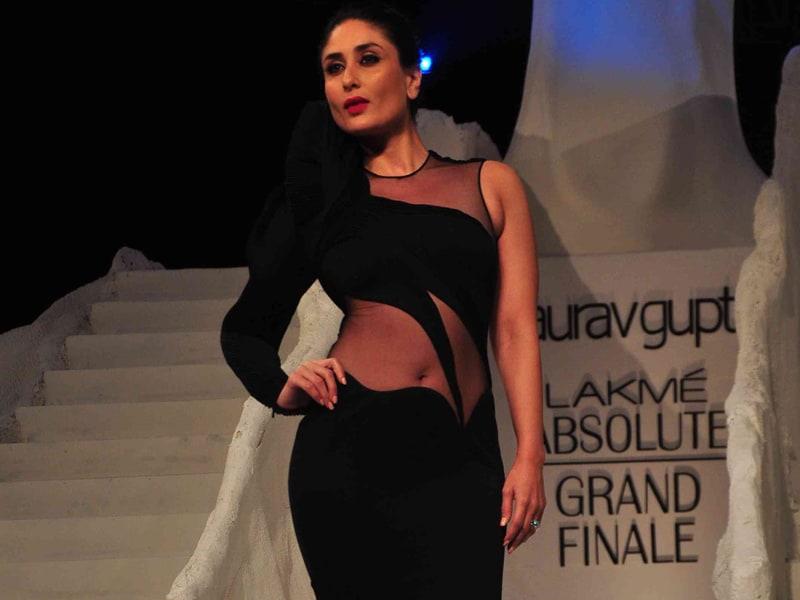 Photo : Fashion Week Finale With Kareena in Black, Malaika in Gold