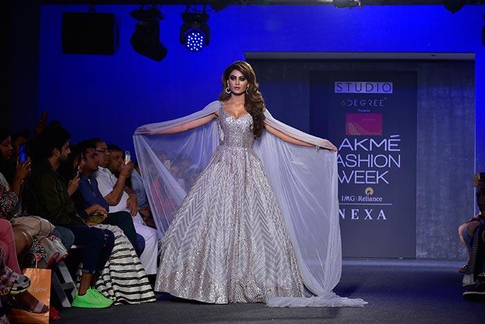 Lakme Fashion Week 2019 Finale: करीना, कंगना, मलाइका और सोहा ने मचाया धमाल