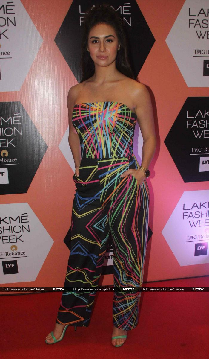 Lakme Fashion Week Khatam Kareena Pe
