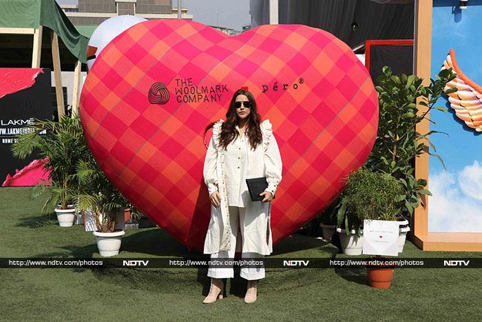 लैक्मे फैशन वीक: यामी गौतम और नेहा धूपिया ने की शिरकत