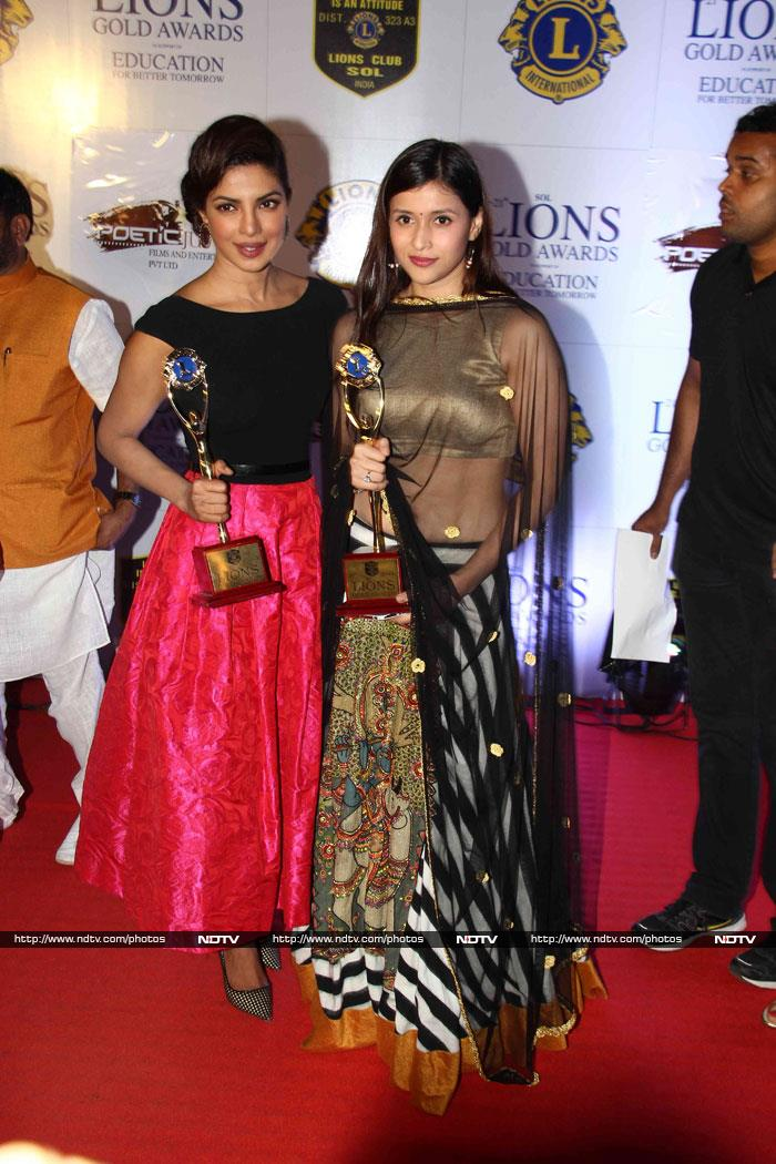 A Golden Night For Priyanka, Lisa, Daisy, Mannara