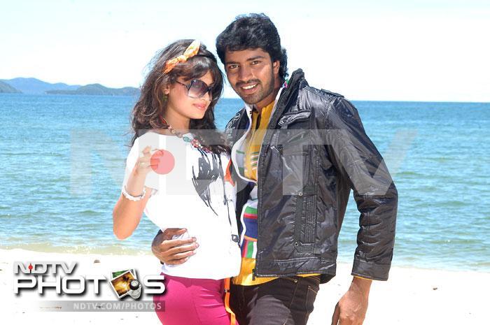 Sneha romances Allari Naresh in Madatha Kaja