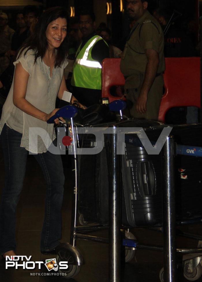 Leaving on a jet plane: Katrina, SRK, Asin