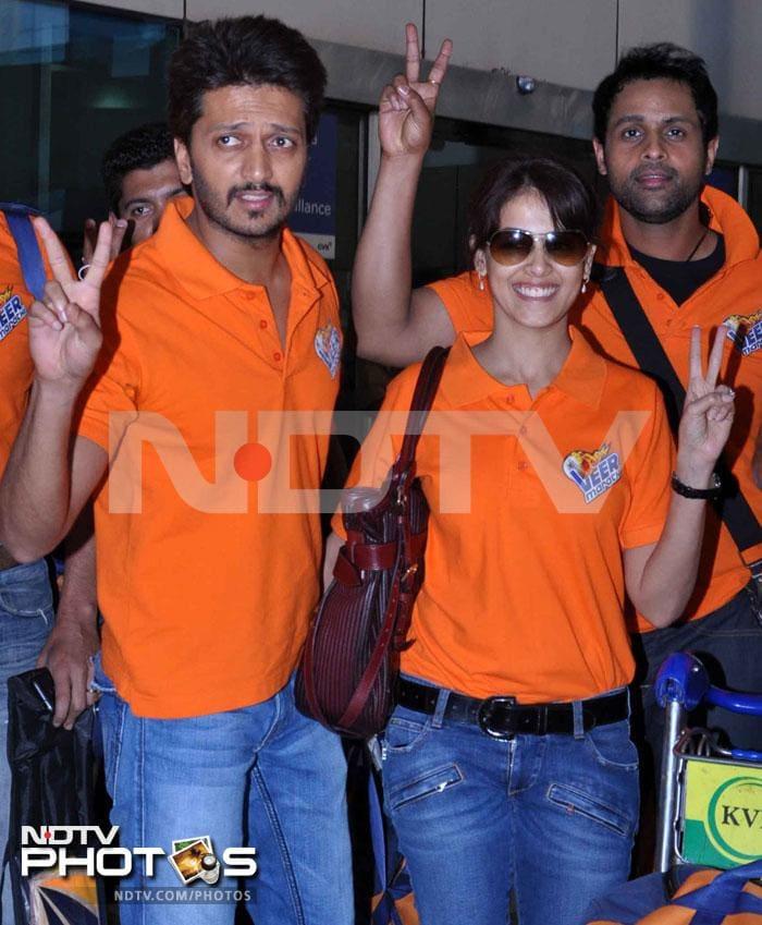 Airport couple: Riteish, Genelia