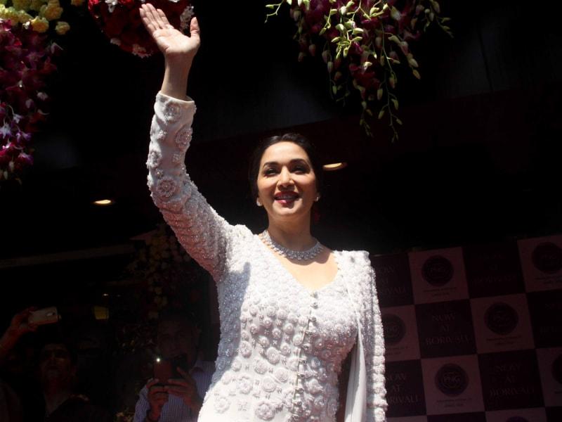 Photo : फिर दिखी वही मुस्कान, जिसने लाखों को बनाया अपना फैन