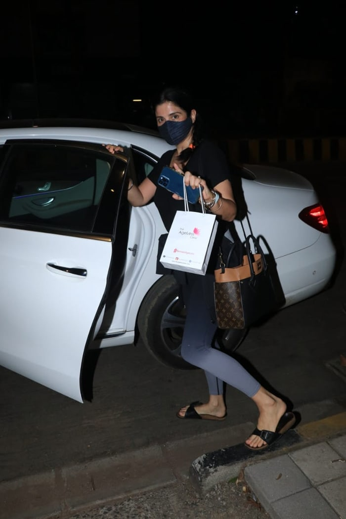 Spotted: Always Fabulous - Maheep Kapoor And Neelam Kothari