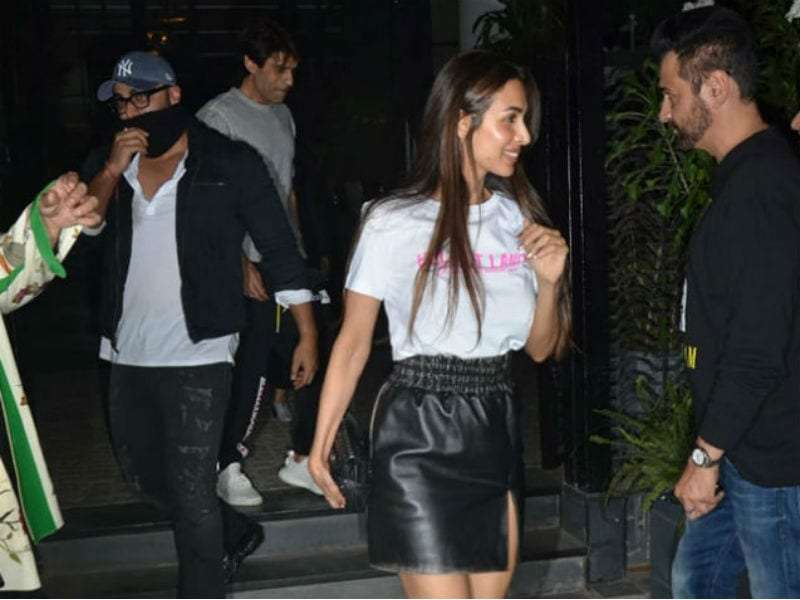 Arjun And Malaika's Dinner Date With Karan Johar, Sanjay Kapoor And Others