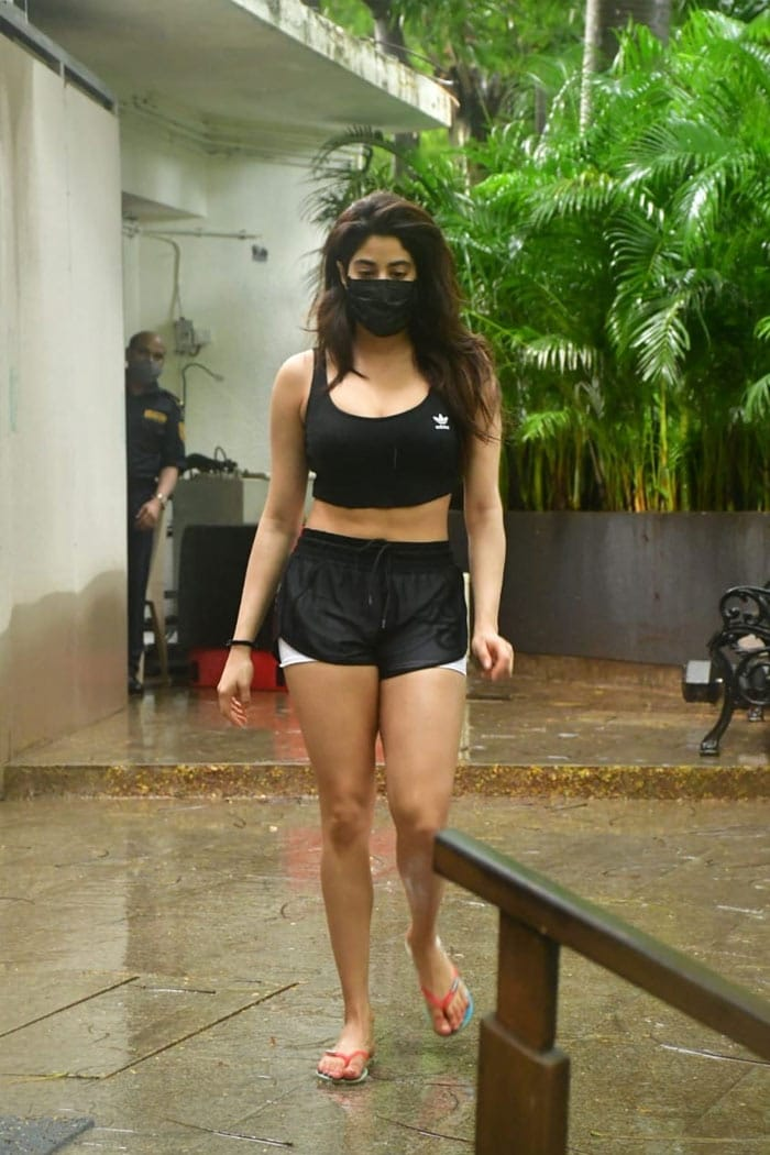 Malaika Arora And Janhvi Kapoor Have The Best Gym Style