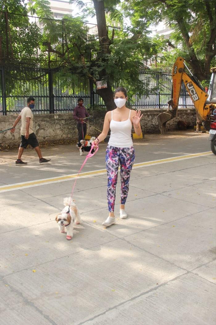 Malaika Arora, Shilpa Shetty, Alaya Furniturewalla\'s Day Out In The City