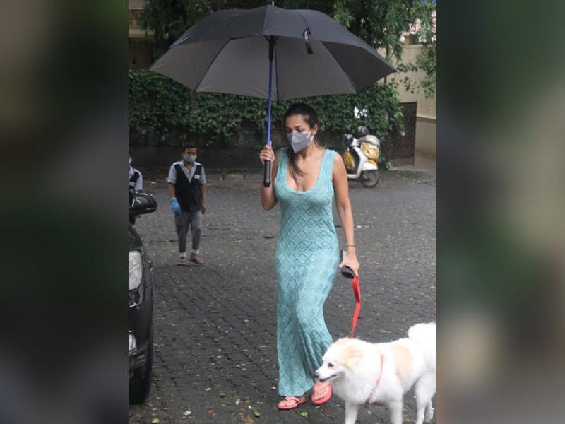 Photo : Malaika Arora And Mumbai Monsoon