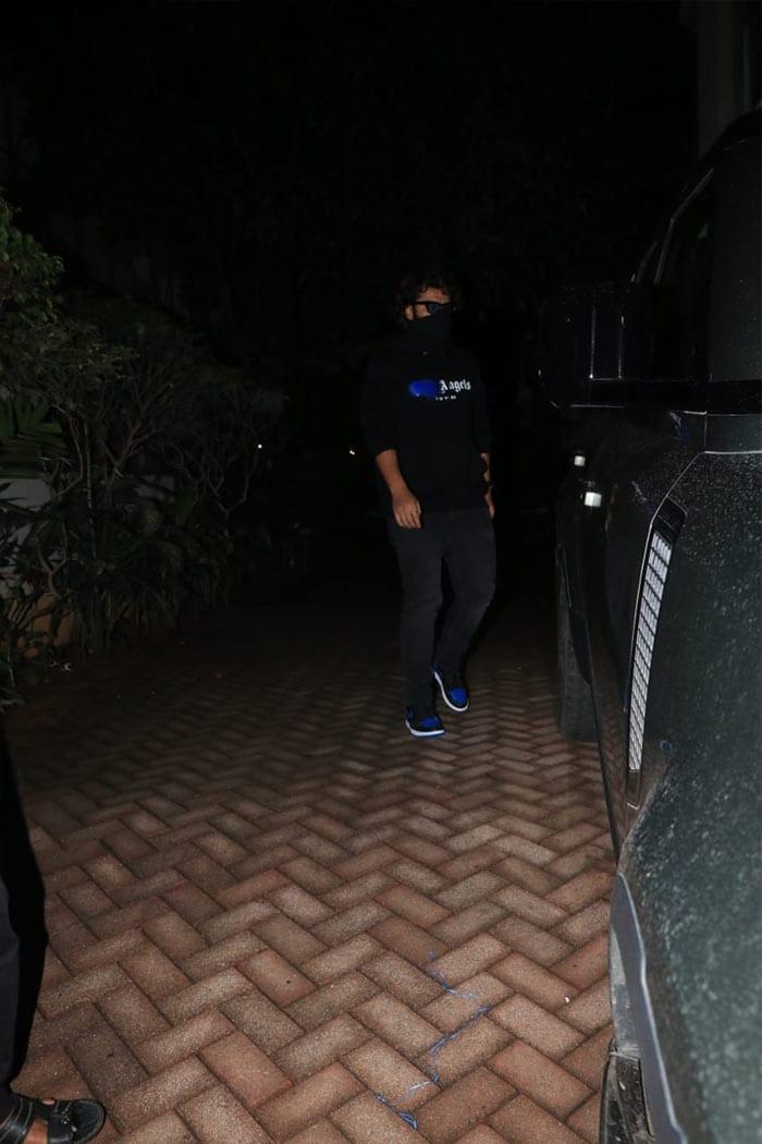 Spotted: Malaika And Arjun At Kareena Kapoor\'s House