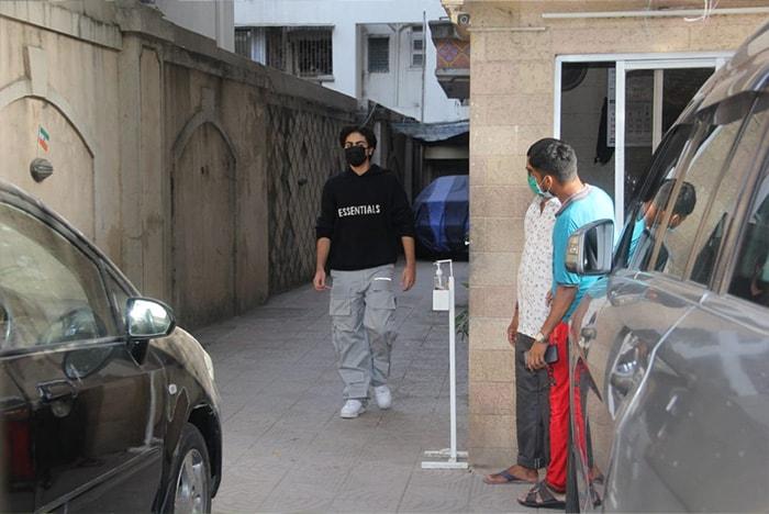 Malaika\'s Easter Sunday With Son Arhaan And Boyfriend Arjun Kapoor