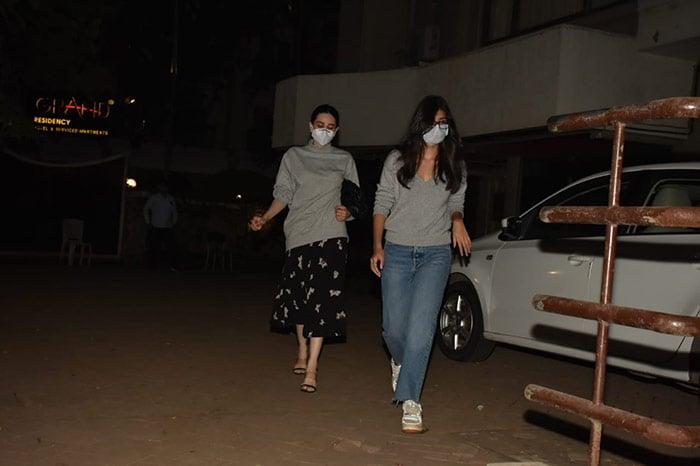 When Arjun Kapoor, Malaika Arora Met Kareena Kapoor And Saif Ali Khan\'s Baby Son