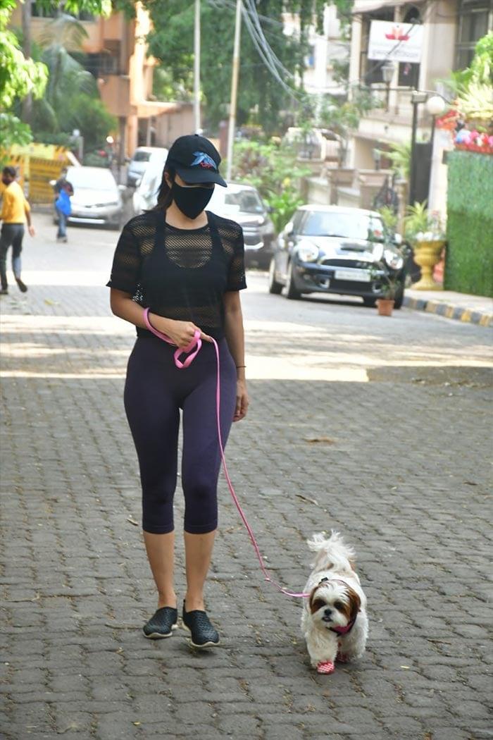 Keeping Up With Malaika Arora, Khushi Kapoor And Their Adorable Pet Pooches