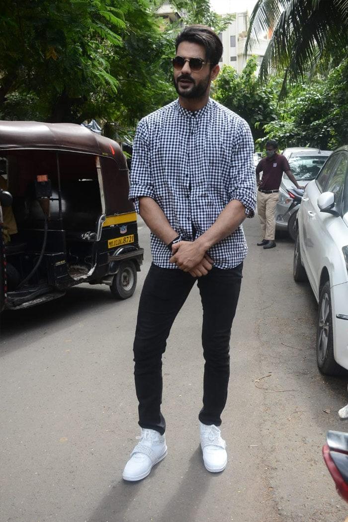 TV actor Vishal Singh was pictured in Andheri.