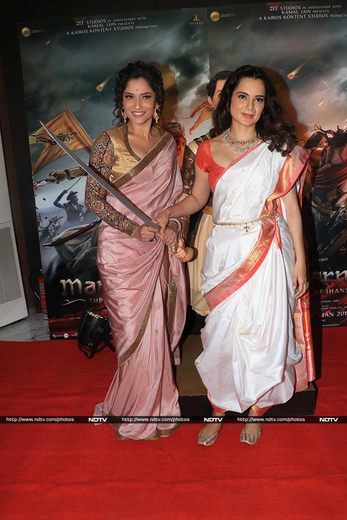 Kangana Ranaut Celebrates Manikarnika\'s Success With Family, Ankita Lokhande