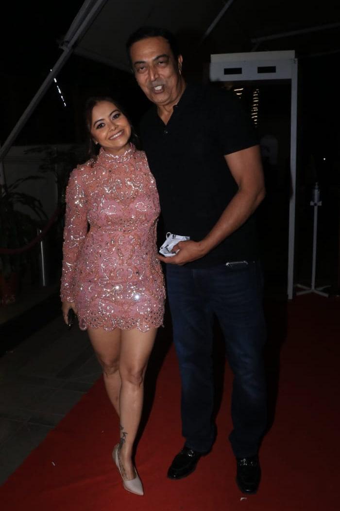 Rashami Desai, Karanvir Bohra Attend Producer Manik Soni\'s Birthday Bash