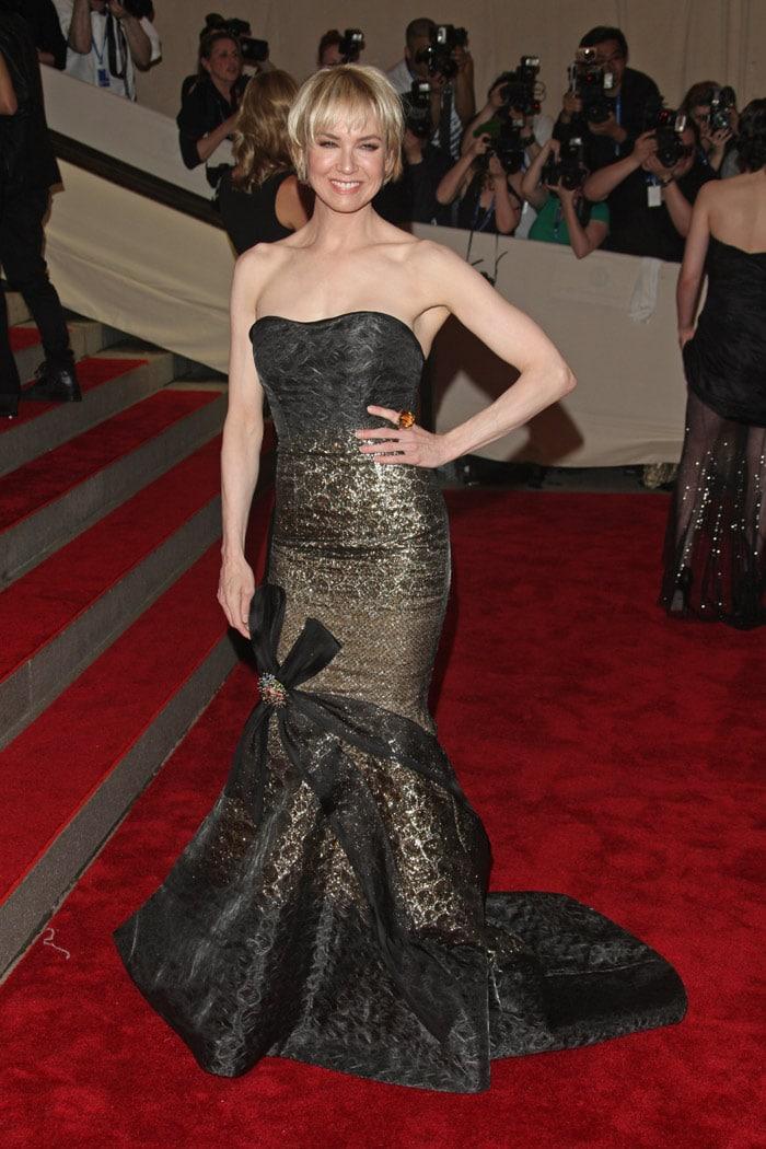 JLo, Hathaway all the way at MET Gala