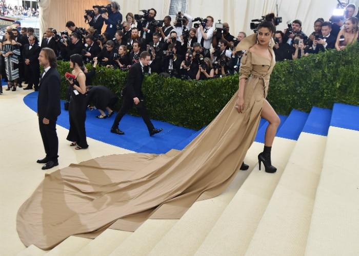 Priyanka Sets Off Fashion Alarm At Met Gala