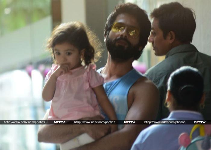 Shahid And Misha Welcome Baby Zain Kapoor And Mira Rajput Home
