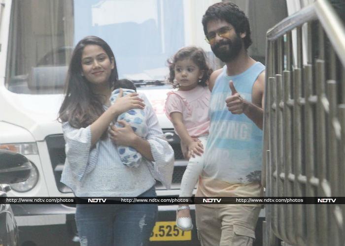 शाहिद और बेटी मीशा ने 'बेबी जैन कपूर' और मीरा का घर पर यूं किया स्वागत