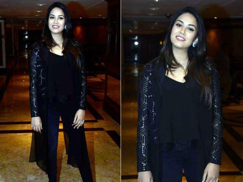 Photo : #WomensDay सेलिब्रेशन के दौरान ब्लैक ड्रेस में छाईं मीरा राजपूत