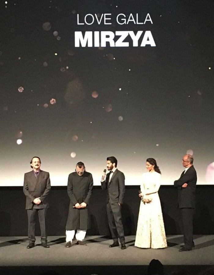 Harshvardhan, Sonam And Anil Kapoor Reach London With Mirzya