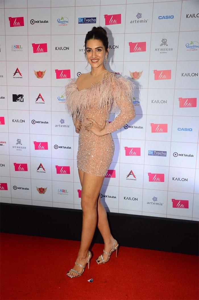 Miss Diva 2021: Malaika Arora And Kriti Sanon Shine On The Red Carpet