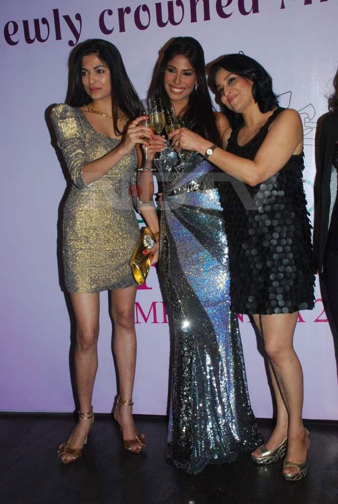 Miss Earth 2010 Nicole Faria returns to India