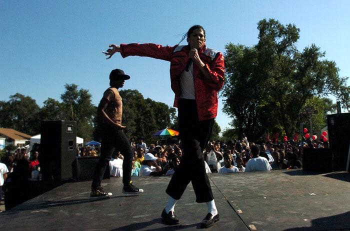 World celebrates Michael Jackson\'s birthday
