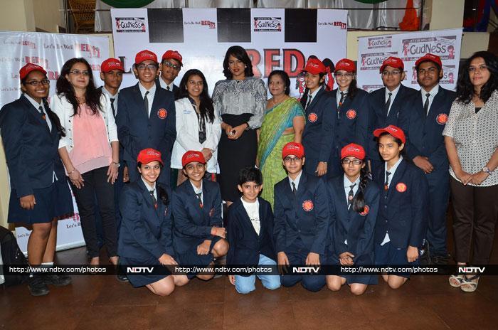 S for Scintillating: Sonakshi, Shilpa, Soha, Sameera