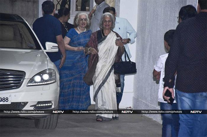 ऋतिक रोशन ने सुजैन खान और बेटे रिधान के साथ देखी फिल्म