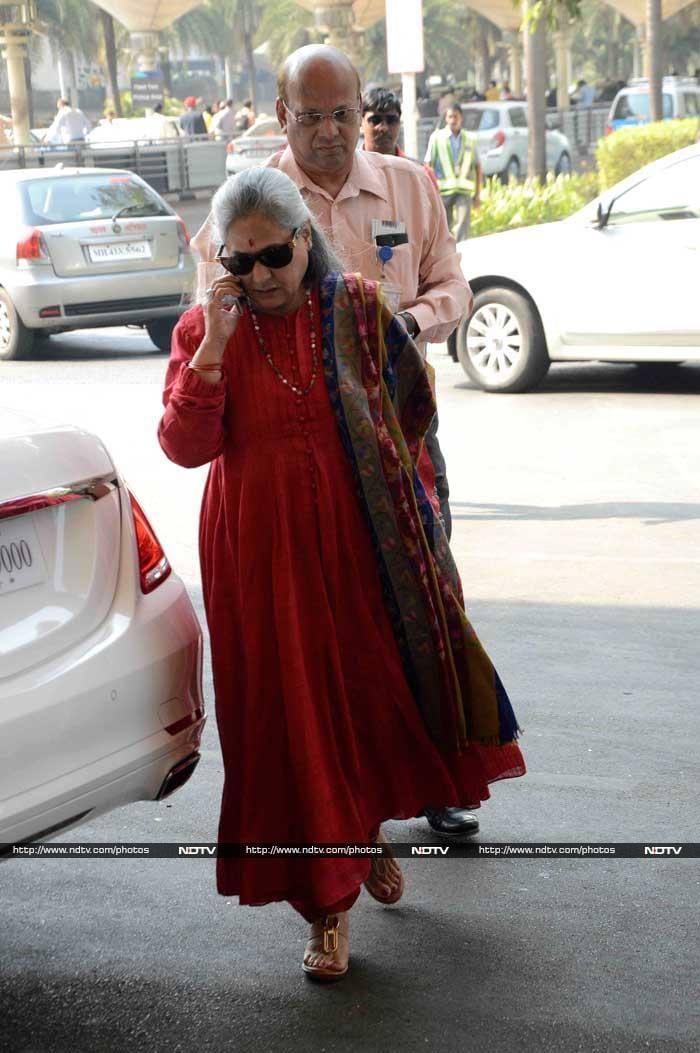 Star Trek at the Airport Mrs B, Chitrangadha, Ileana