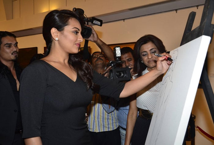 Big B\'s New Phone, the Art of Being Sonakshi