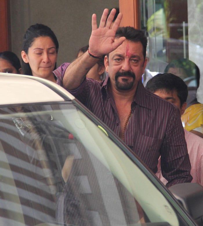 Sanjay Dutt bids goodbye to family, leaves for jail
