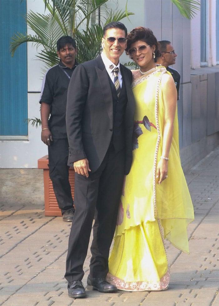 दिल्ली से लौटे नेशनल अवॉर्ड विजेता आयुष्मान खुराना और अक्षय कुमार