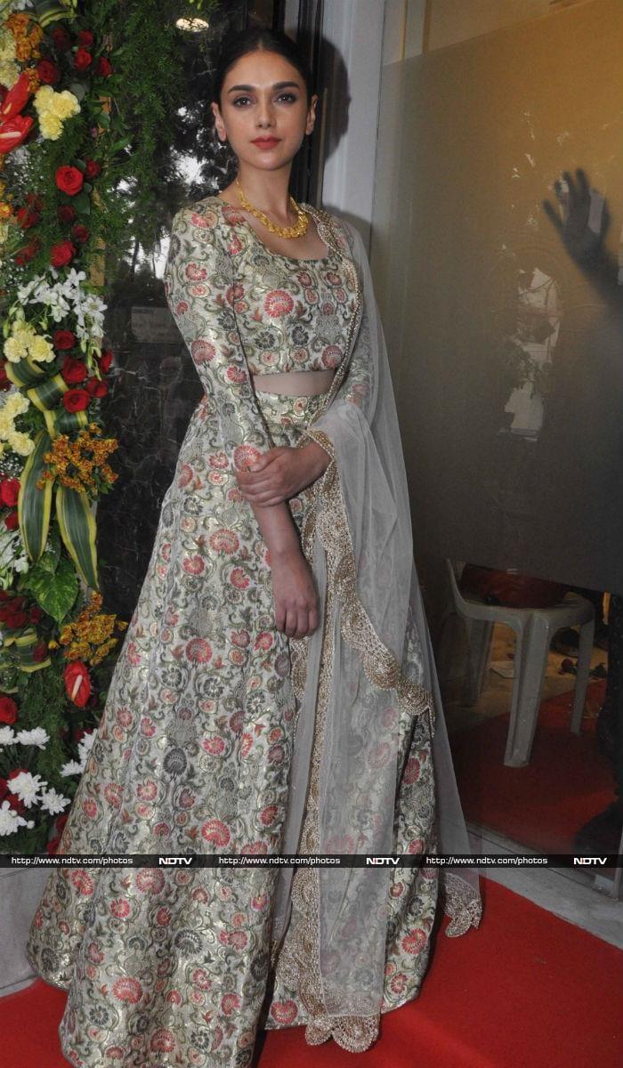 Big B\'s Granddaughter Navya Naveli Aces an Ethnic Look