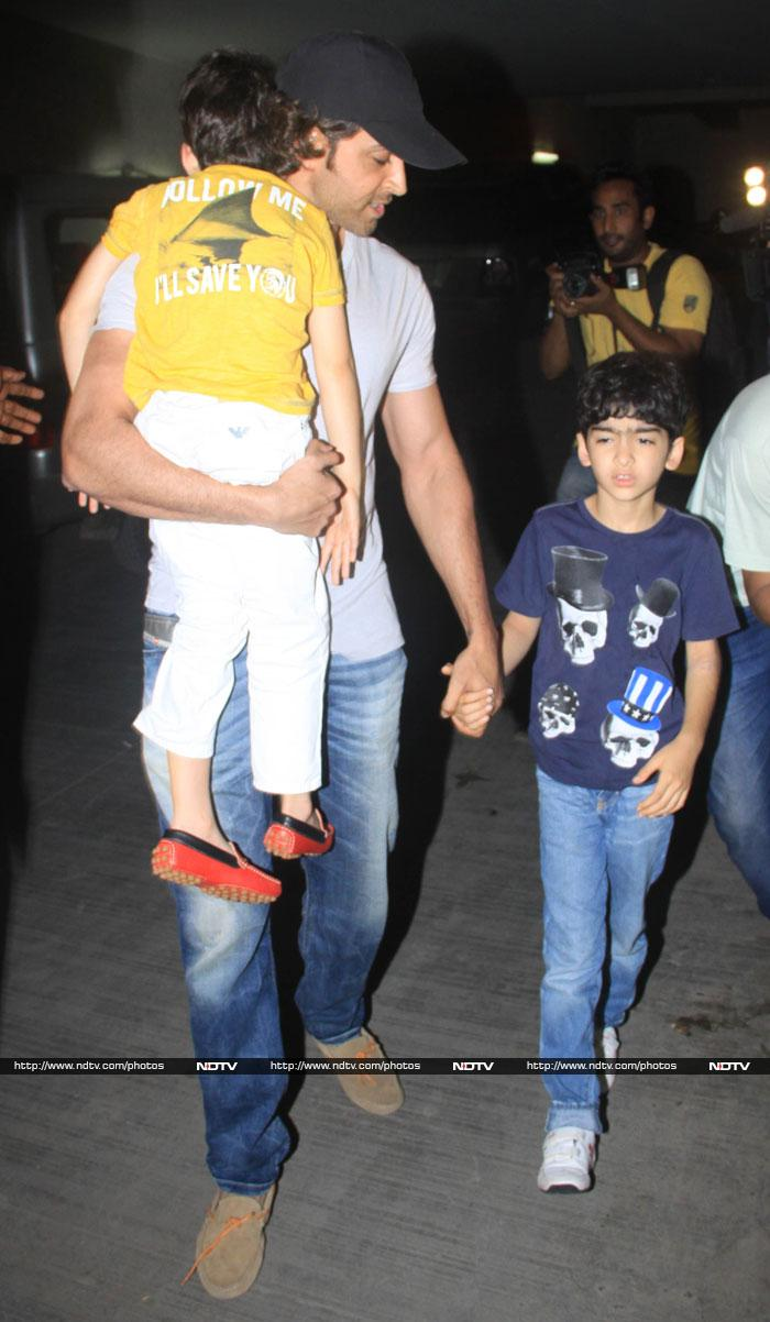 Hrithik Roshan\'s Movie Outing with Sons