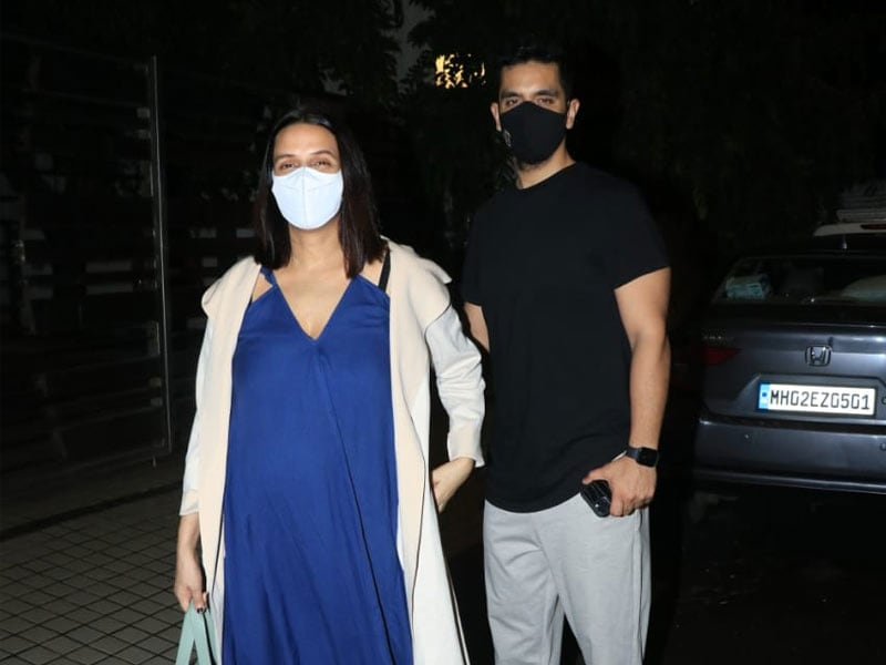 Photo : Mom-To-Be Neha Dhupia Went On A Date With Partner-In-Crime Angad Bedi
