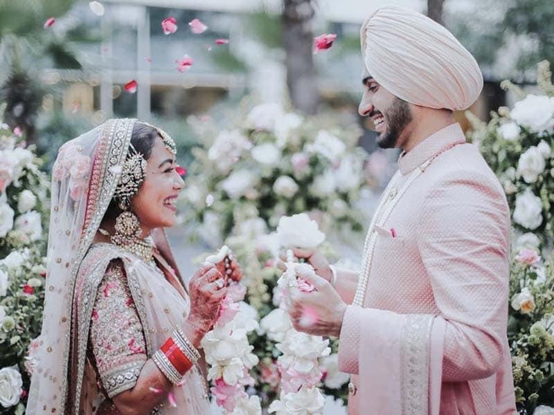 Photo : देखें नेहा कक्कर और रोहनप्रीत सिंह का शानदार अंदाज