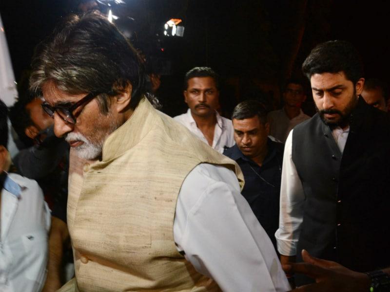 Photo : अमिताभ बच्चन, अनुपम खेर, शबाना आजमी ने दी ओम पुरी को अंतिम विदाई