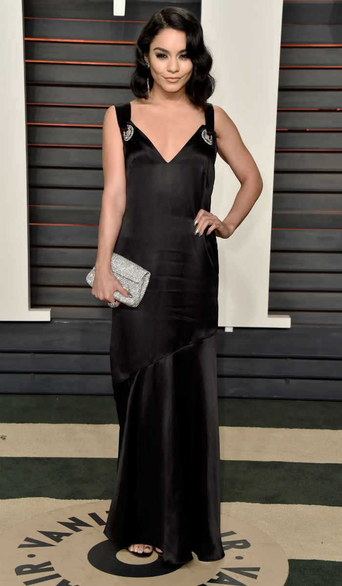 Oscars: Priyanka Chopra, Taylor Swift Steal the Show at After Party