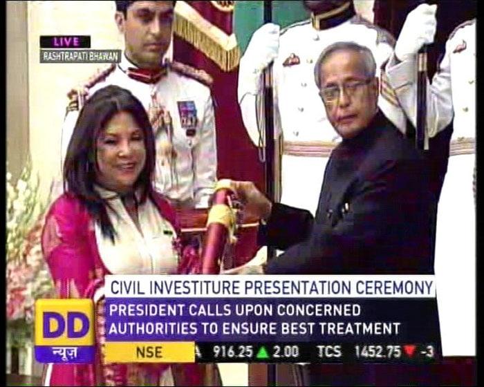 Rajesh Khanna, Ramesh Sippy receive Padma honours
