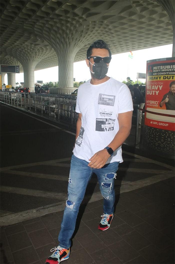 Parineeti Chopra Kicked Off Maldives Vacation With Airport Fam-Jam
