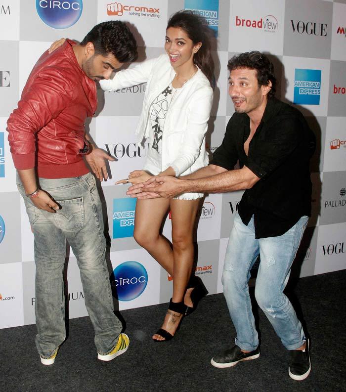 Deepika Makes Arjun \'Butt\' of All Jokes