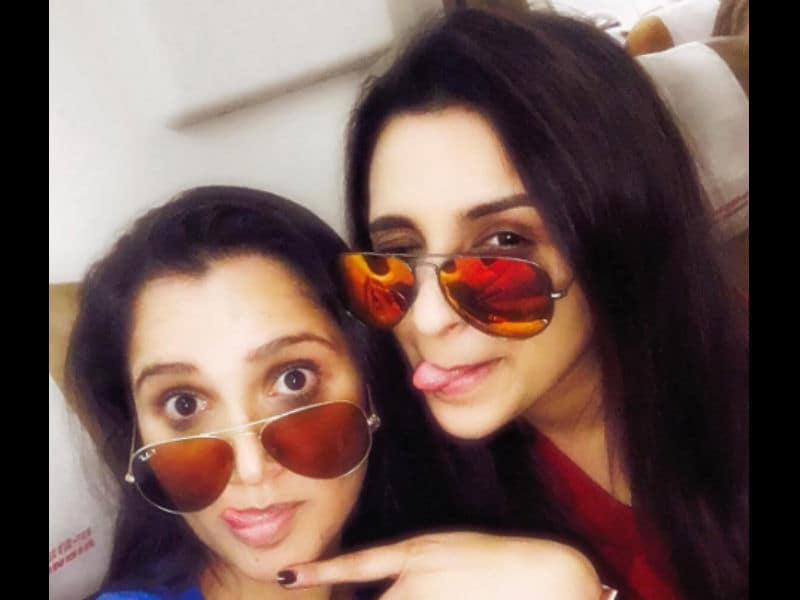 10 Pics We Love Of Best Friends Parineeti And Sania