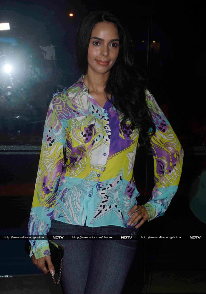 Mallika Goes to a Party With Sanjeeda, Rashami, Shweta